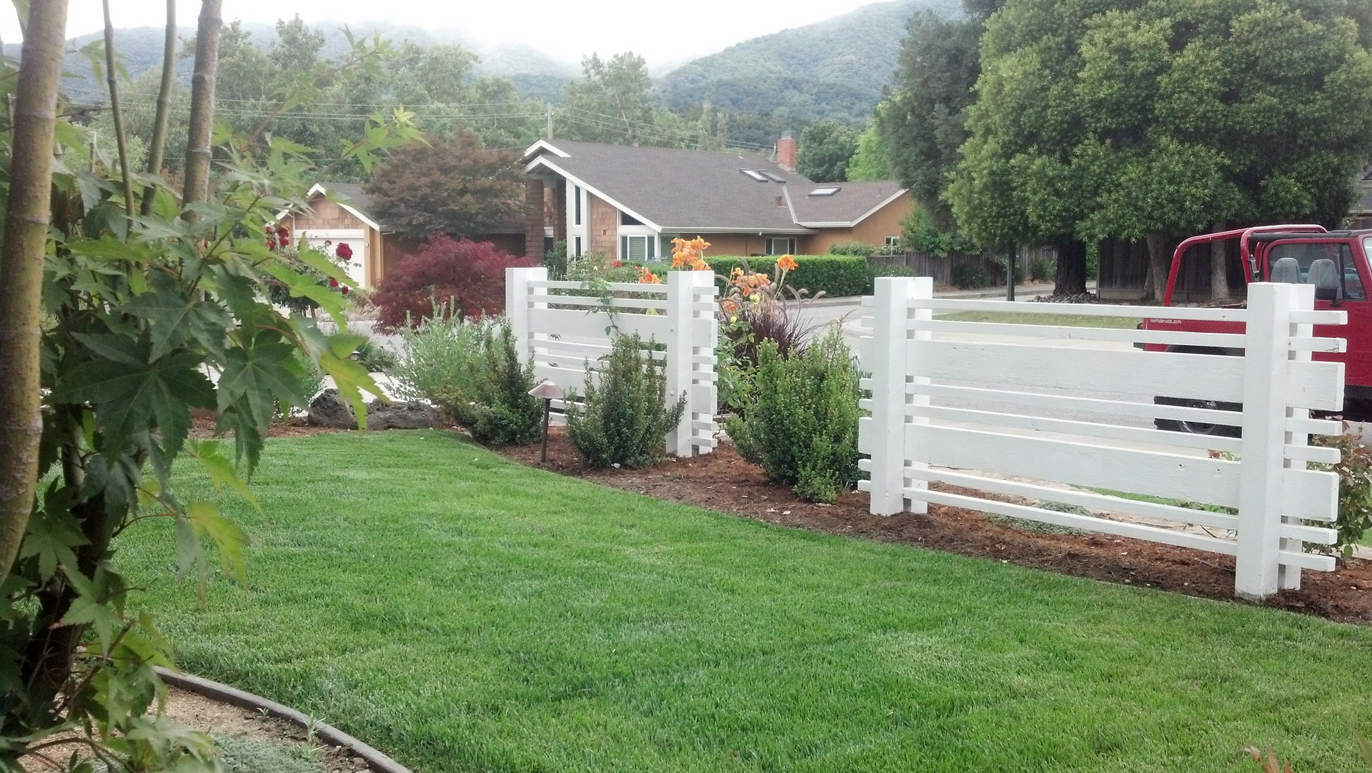 custom white fencing
