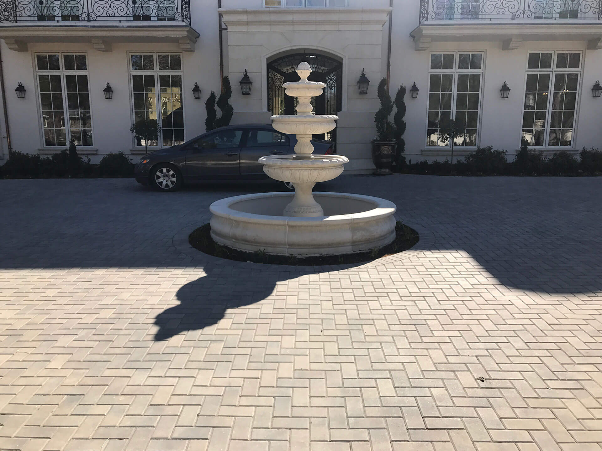 fountain with paver hardscape driveway installed in SAn Jose, California